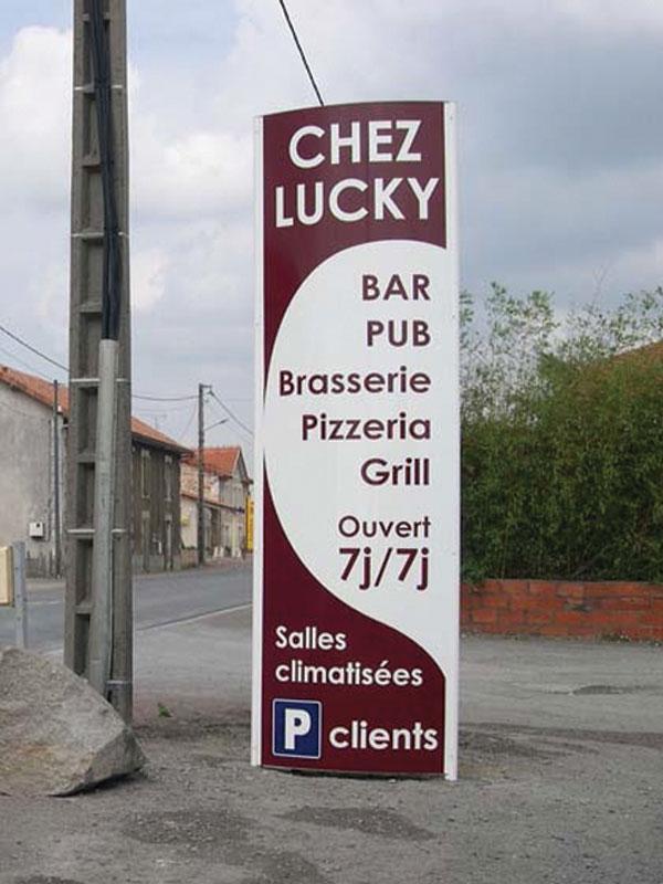 Totem publicitaire lons le saunier impression publicit for Fourniture pizzeria